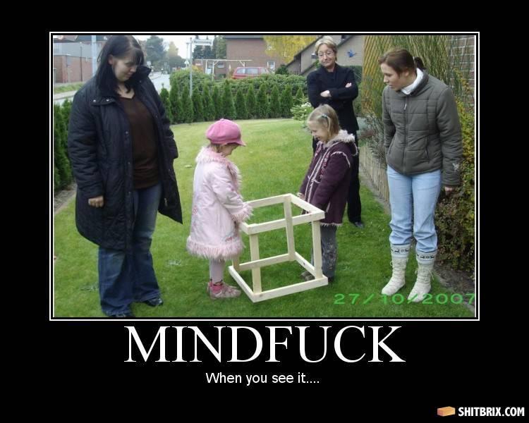 [Brincadeira]Ache o mindfuck... - Página 4 Box-in-front-yard-57890